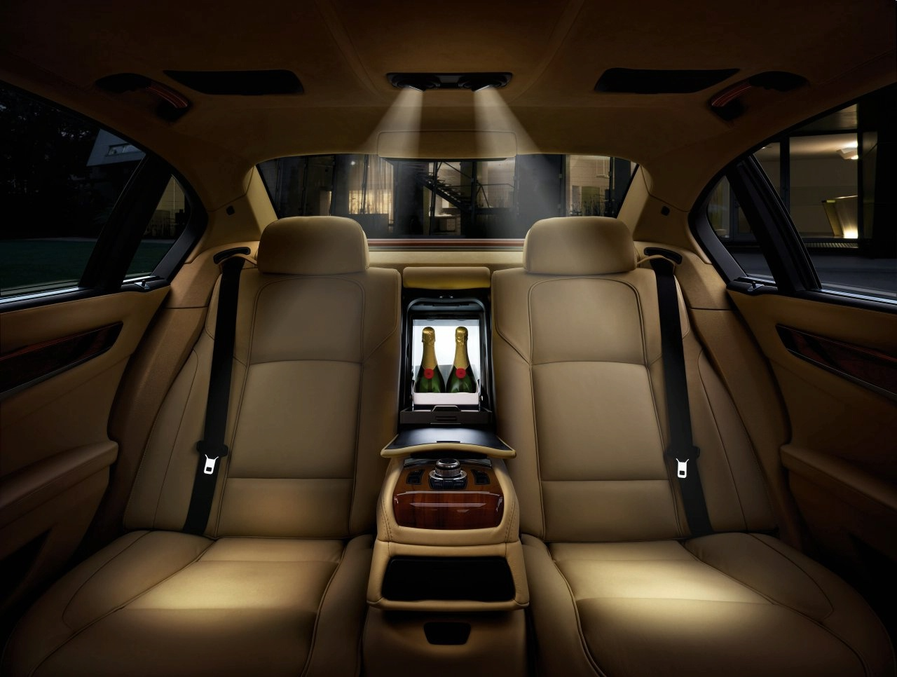 Bmw 7 series sedan car review 2012 and pictures luxury cars never die