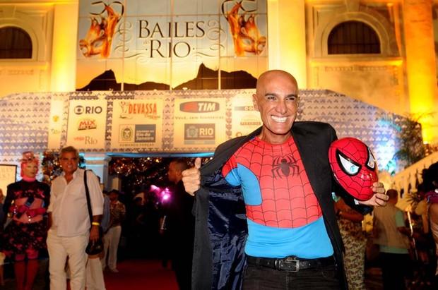 Amin Khader no baile gay  (Foto: Dario Zalis / Divulgação)