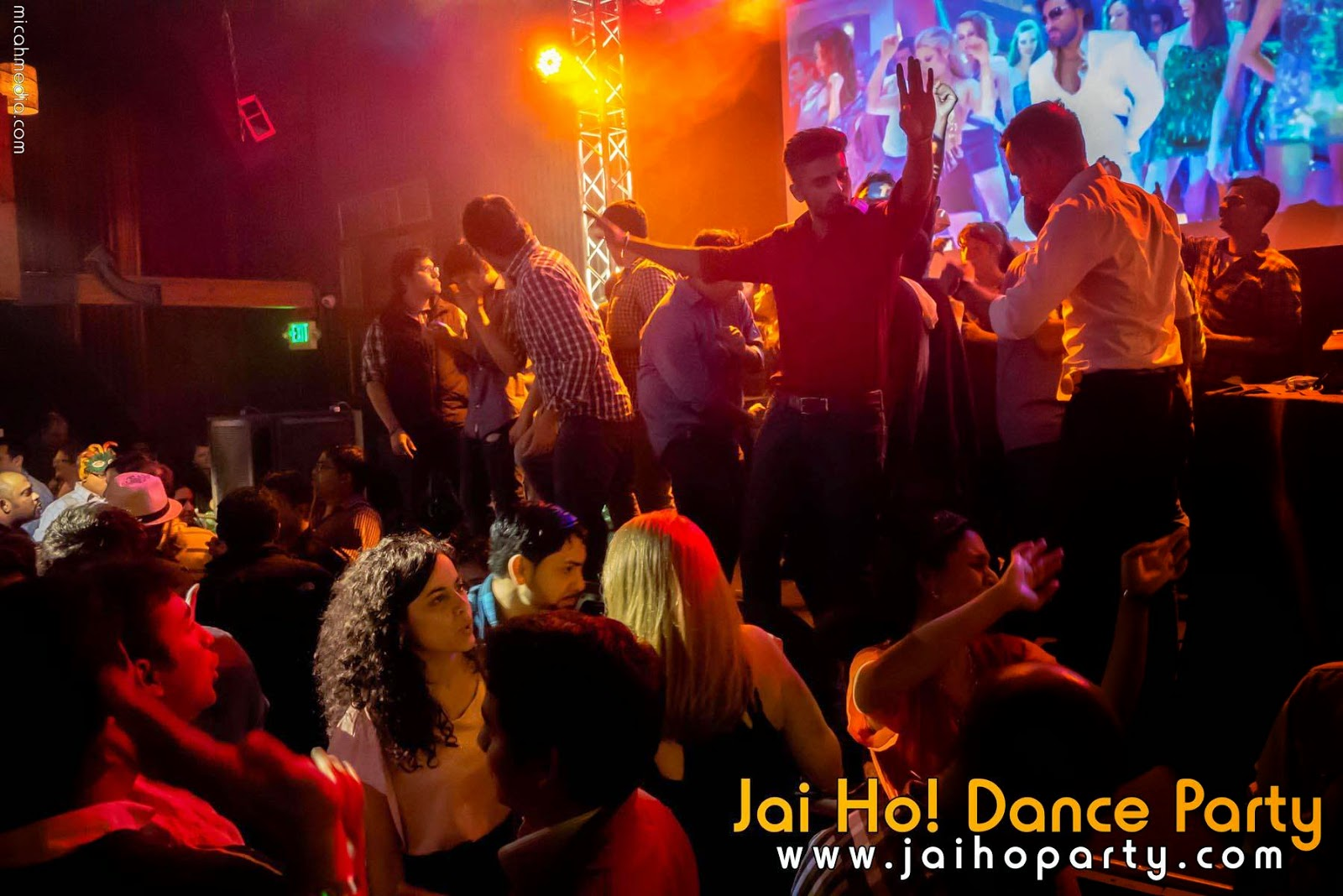 dancing in seattle, seattle night life, Jai ho song, Jai ho party, wedding DJ