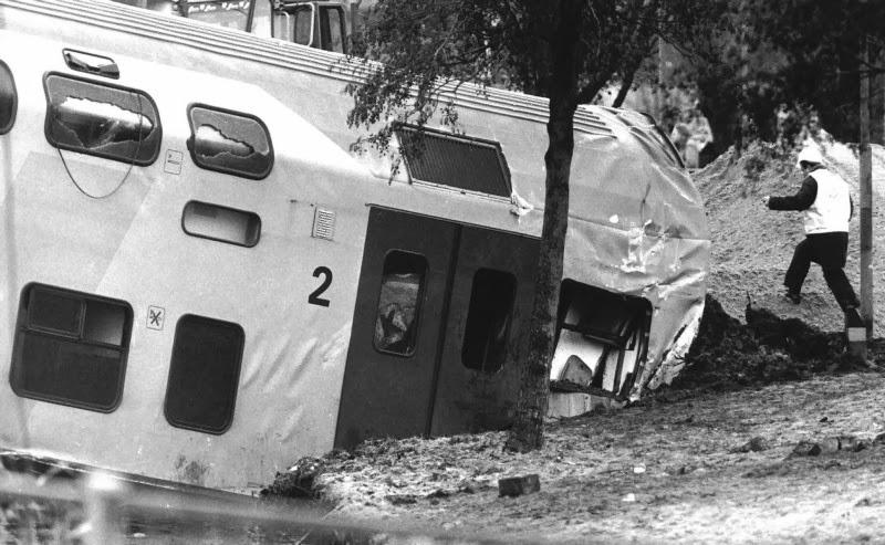 Ontsporing dubbeldekker trein zaandam 1993