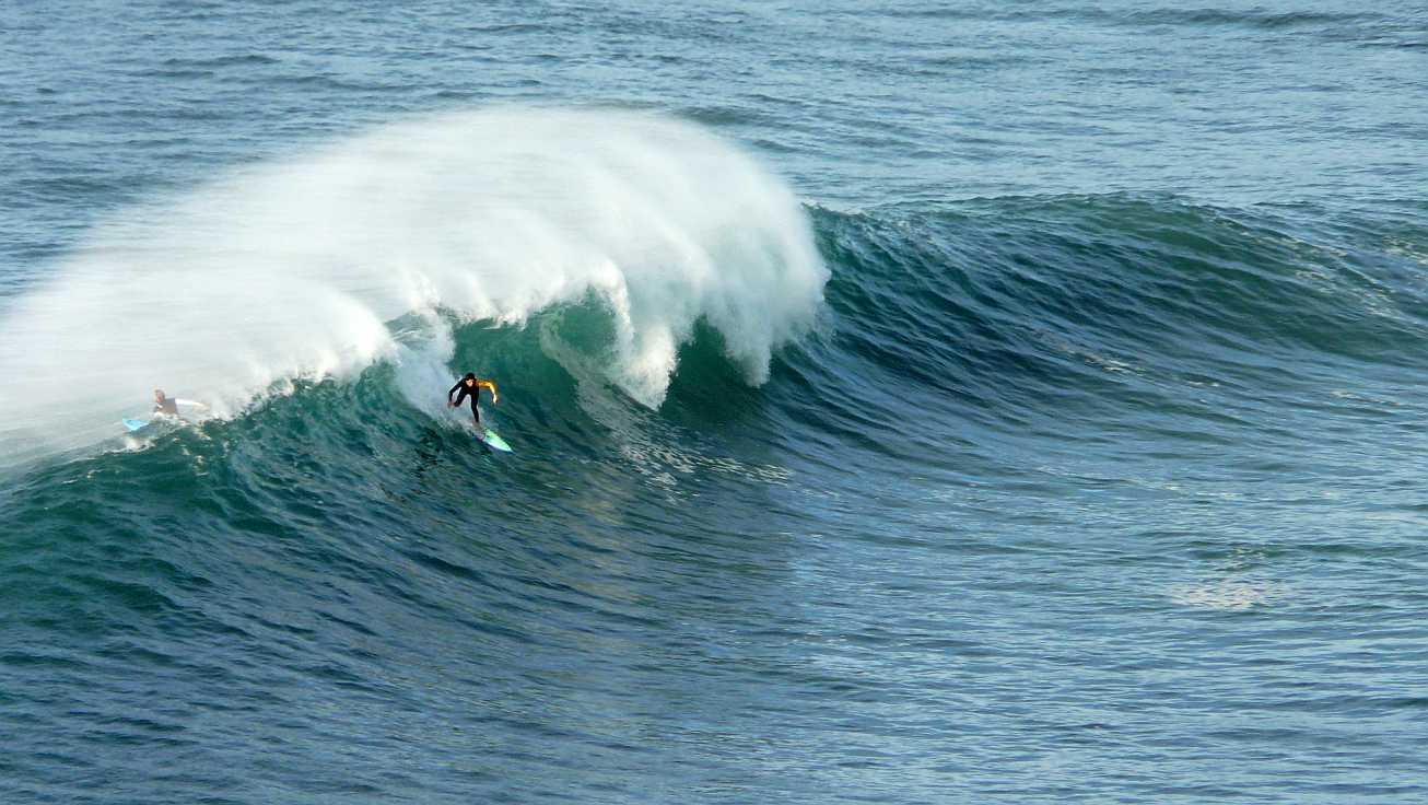 surf olas grandes menakoz 16