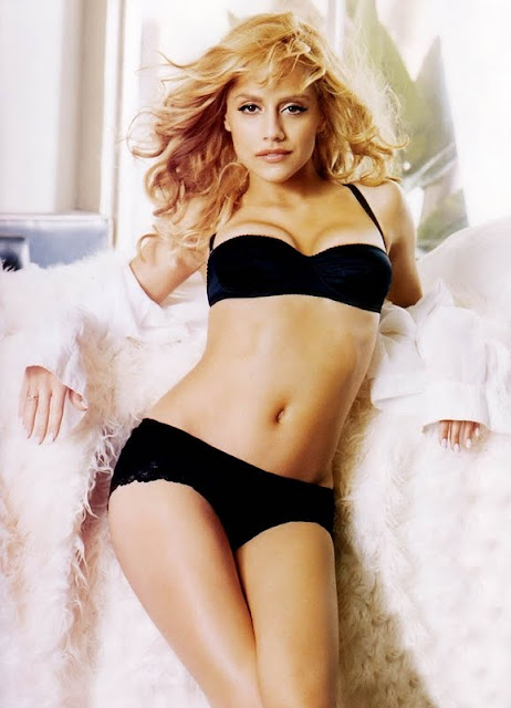 Brittany Murphy  sexy in lingerie fashion