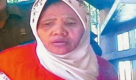 Diancam Denda 500 Juta, Kasus Nenek Asyani Tidak Masuk Akal