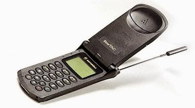 Ponsel Terlaris Di Dunia - Motorola StarTAC