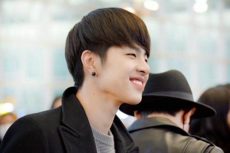IKON B.I Bobby Jung Chan Woo Kim Dong Hyuk Kim Han Bin Kim Jin Hwan Koo Jum Hoe Song Yun Hyeong YG Entertainment