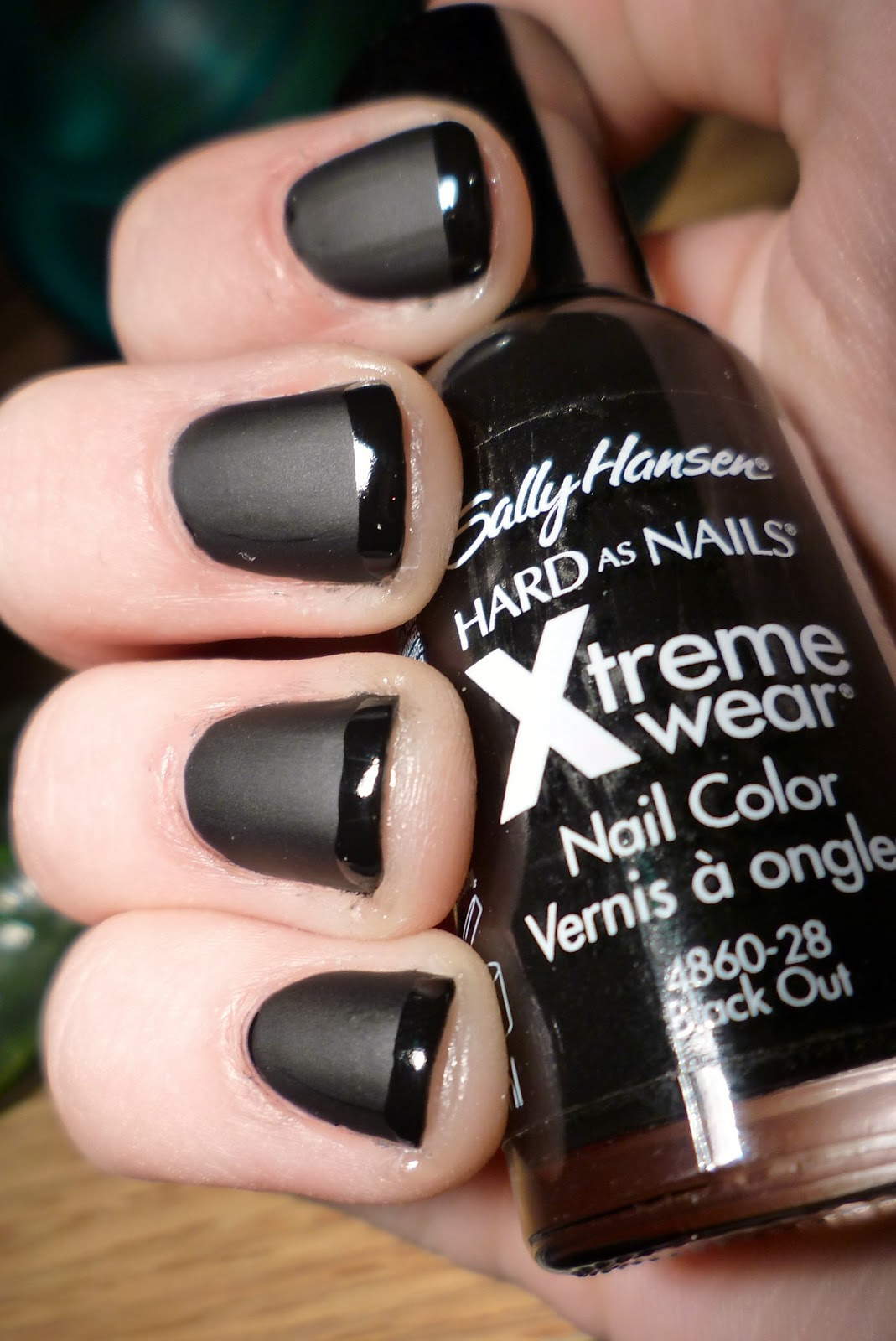 Allanah Kate: NOTD: Black matte nails with glossy french tip!