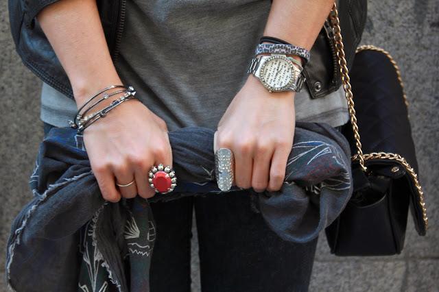 Outfit, perfecto cuero, gris anillos