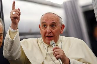 "Papa Francesco: ""niente porte blindate nella casa del Signore"""