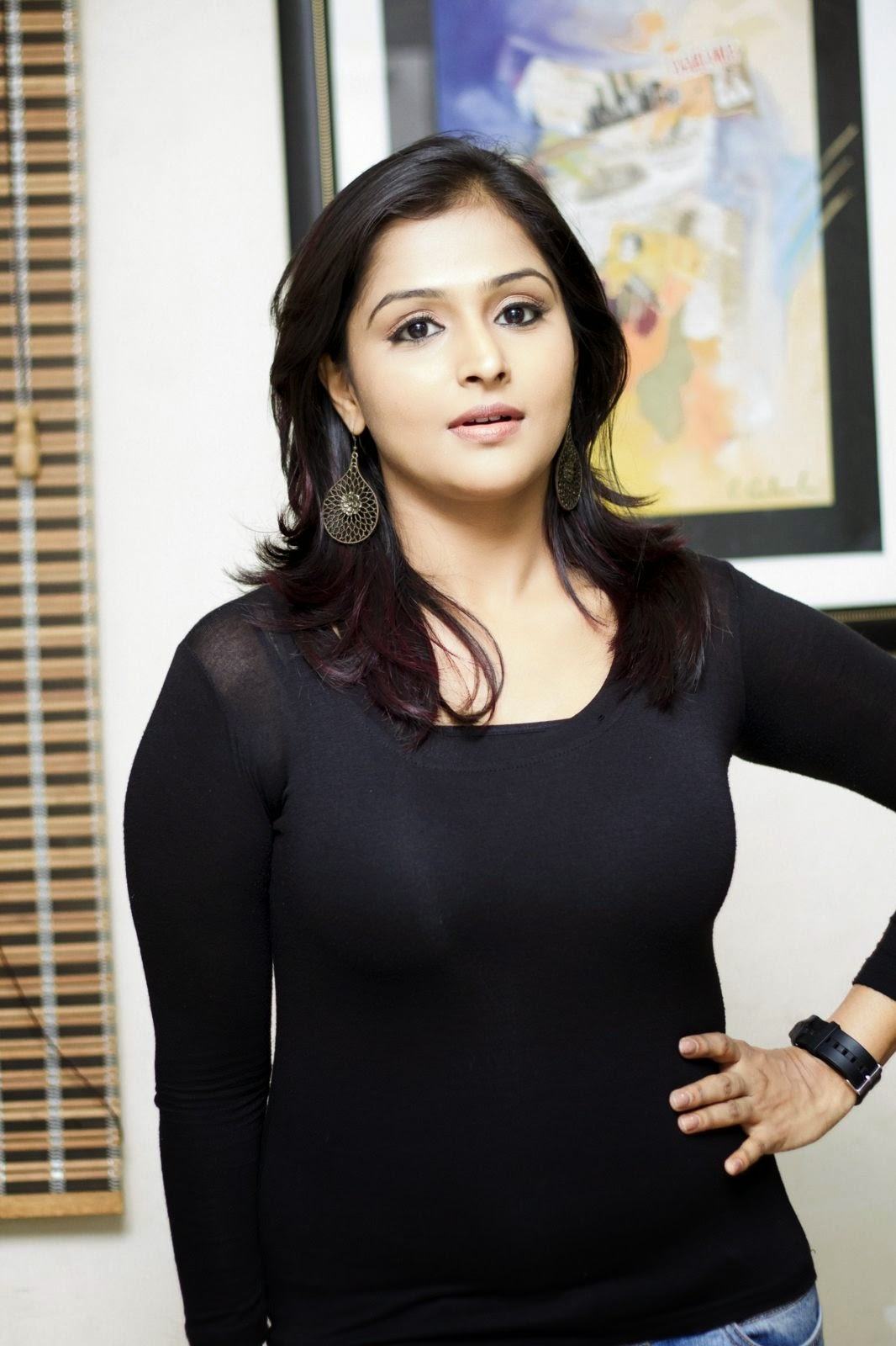 Ramya Nambeesan latest Glamorous photos-HQ-Photo-2