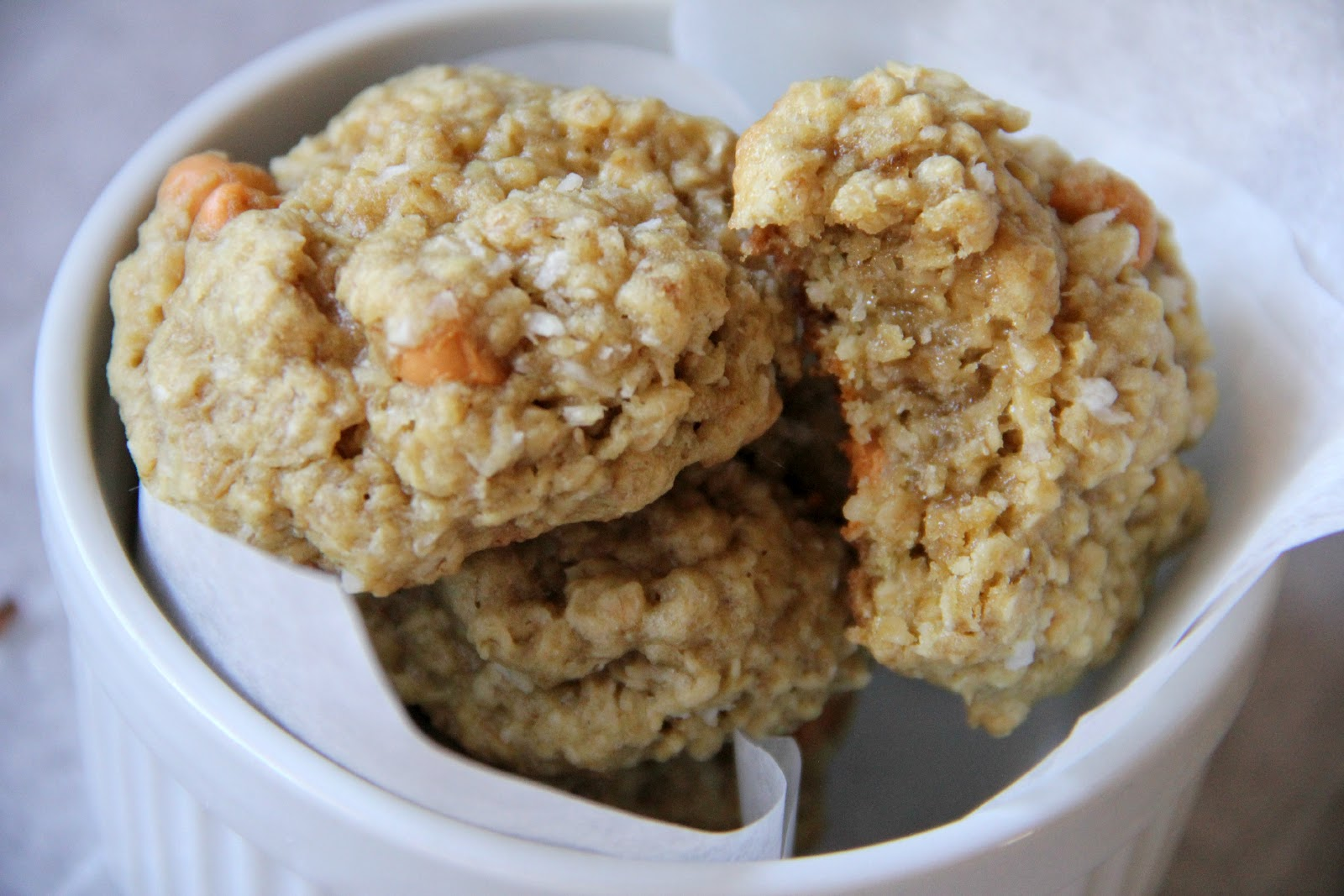 My Happy Place: Coconut Oatmeal Scotchies