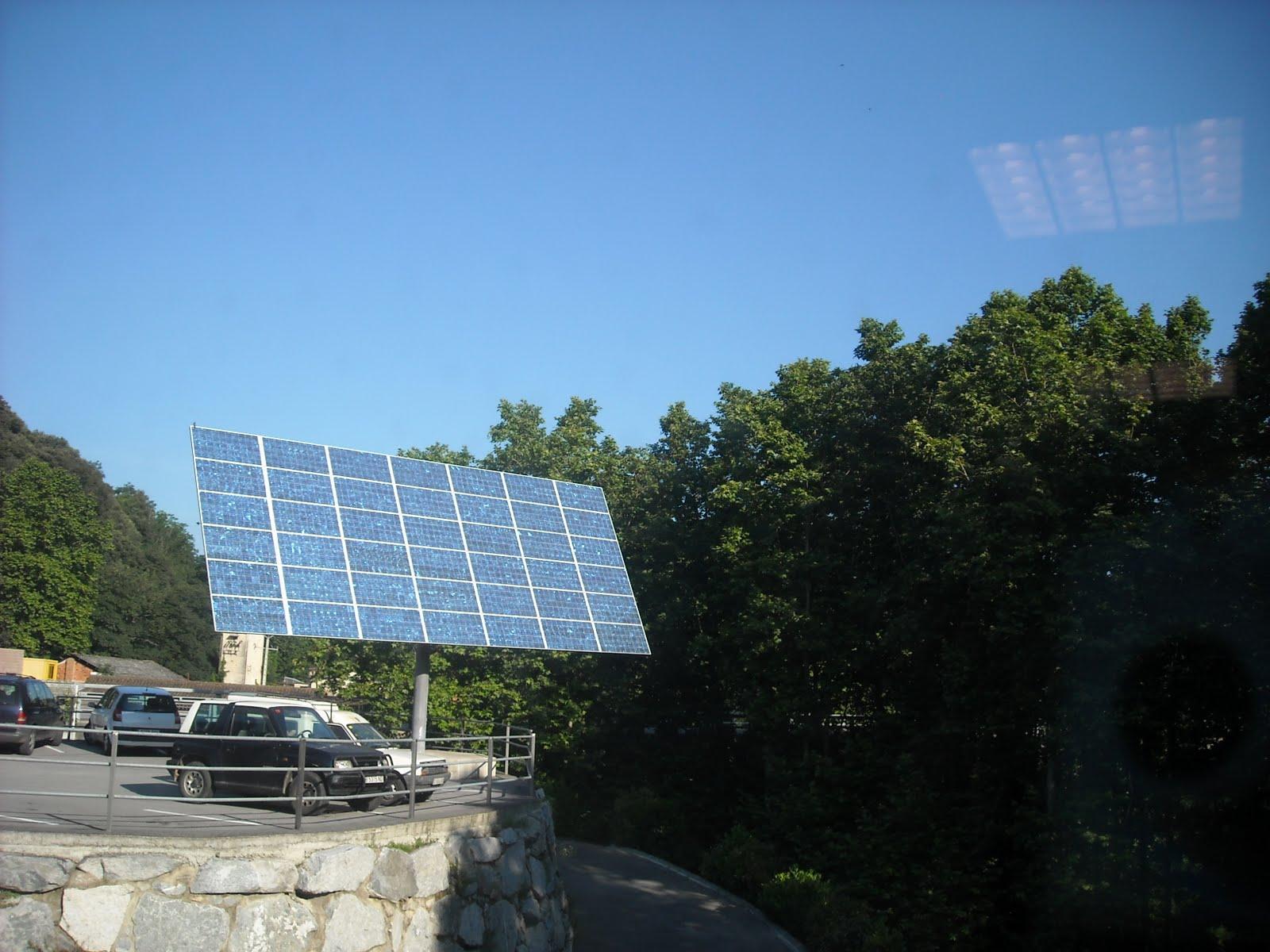 El bloc verd del montsoriu energies renovables for Plaques solars termiques