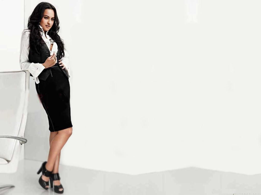 All New Sonakshi Sinha | Desktop Wallpapers