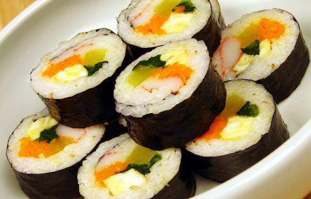 How to Make Futomaki Sushi Rolls