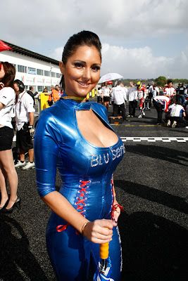 Sexy and hot umbrella girl MotoGP Estoril Portugal 2011