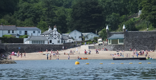 Fowey, Cornwall - Best quaint English seaside town - beach