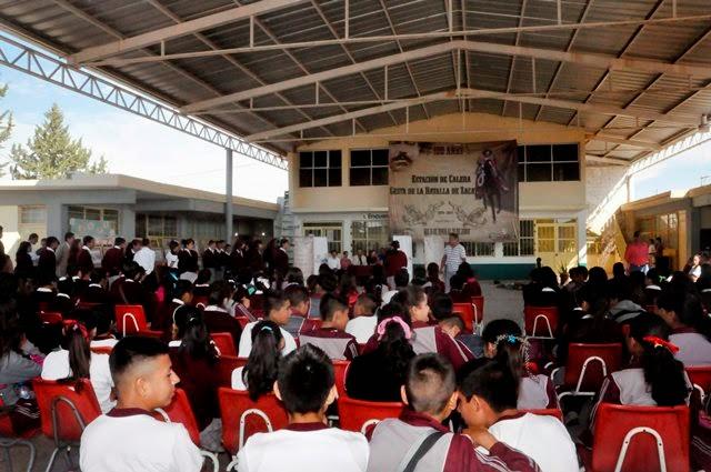 El circo galeria de fotos conmemor la secundaria 9 de for Decoracion 9 de julio secundaria