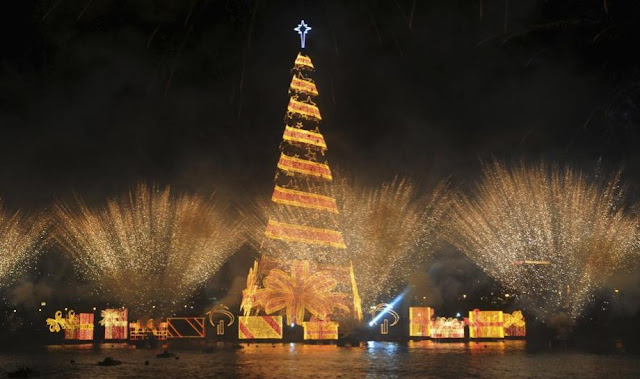 Floating Christmas Tree in Rio de Janeiro, Brazil - Travel Europe Guide
