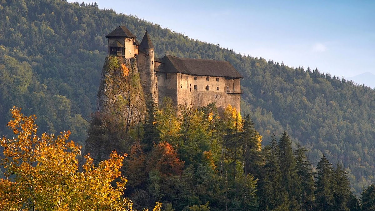 european castles of the medieval era essay European history family history & genealogy  the high middle ages the high medieval era is the period of time that seems to typify the middle ages best.