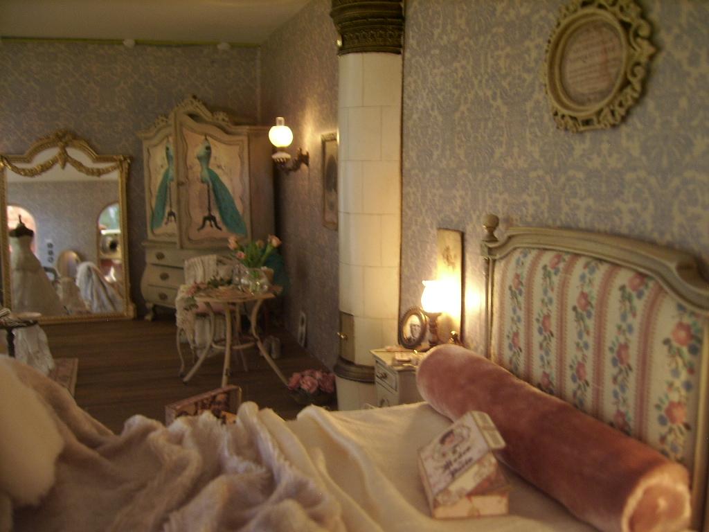 pin by shanda jackson on dollhouse bedrooms 2 pinterest