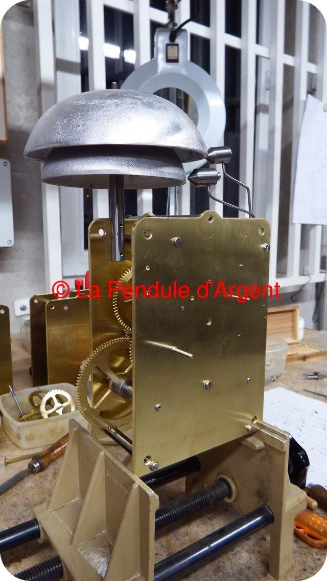 Production d'un mécanisme d'horloge, les platines et le rouage Platine16