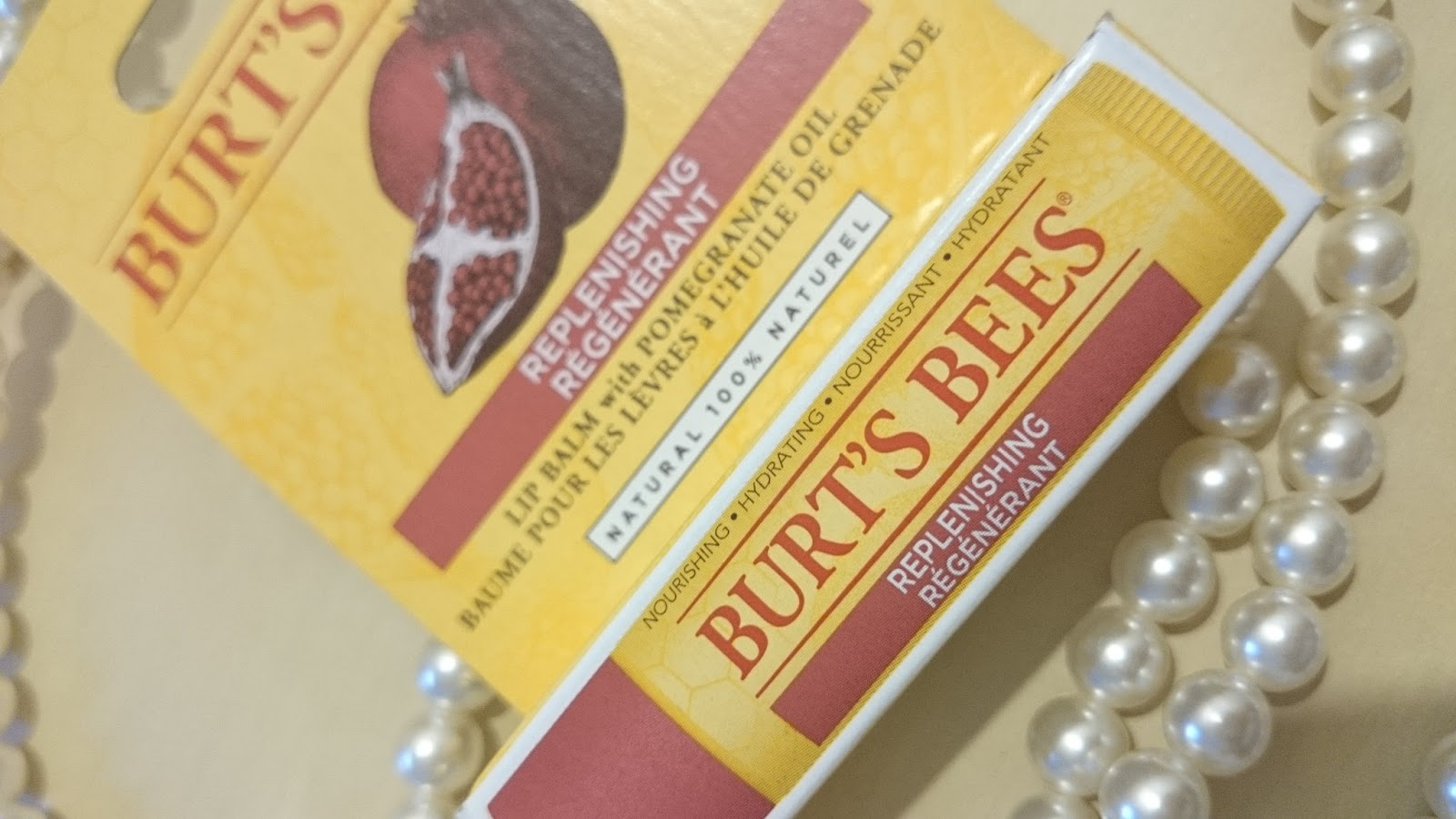 Burt´s Bees Replenishing Régénérant Lip Balm with Pomegranate Oil