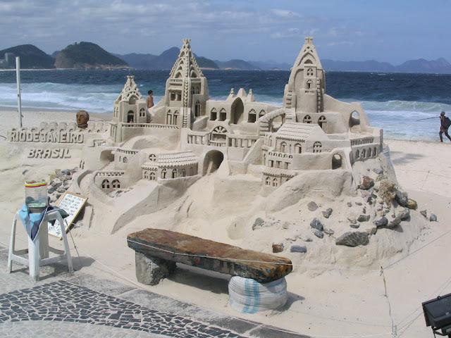 Amazing-Sand-castles-1