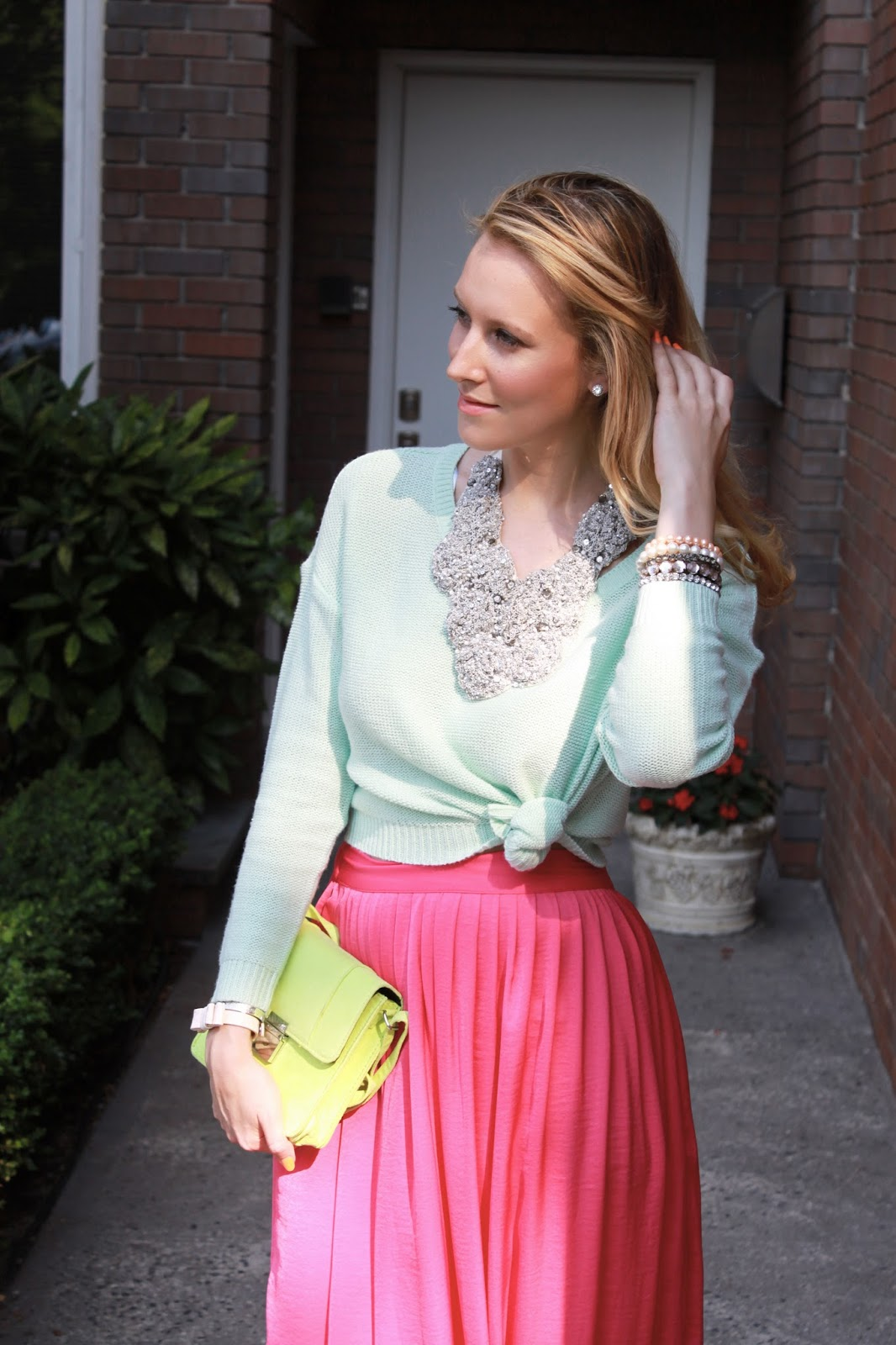 pic4-bcbg-pink-maxi-skirt-zara-studded-sandals-statement-necklace-mint-sweater