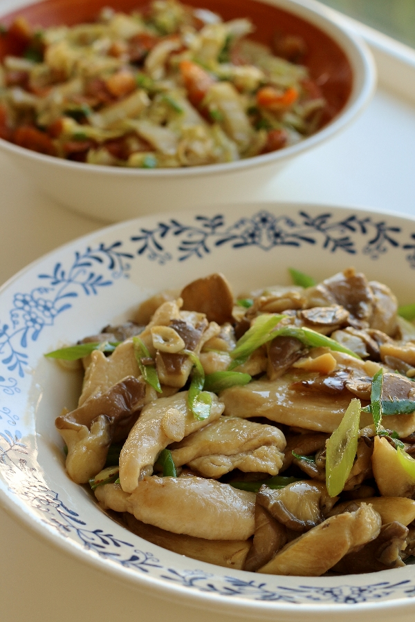 Mission food stir fried oyster mushrooms with chicken monday august 26 2013 forumfinder Image collections
