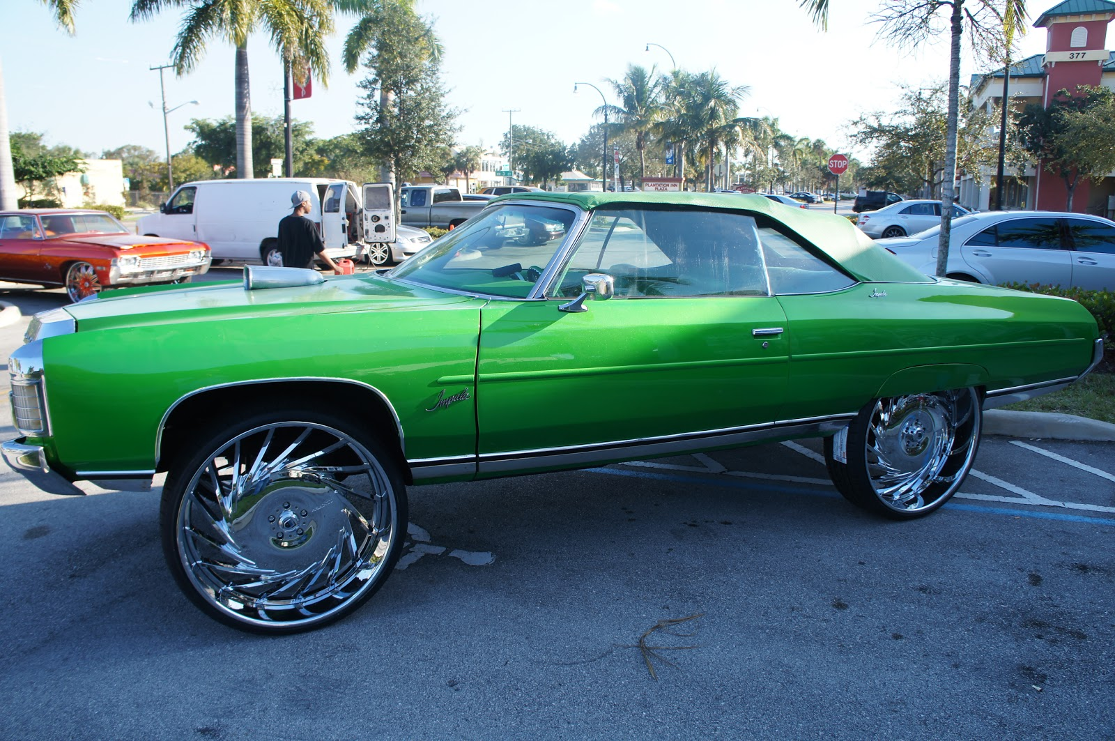 Chevy on 30s http://whytee954.blogspot.com/2012/03/chevy-donk-vert-on-30-asantis.html