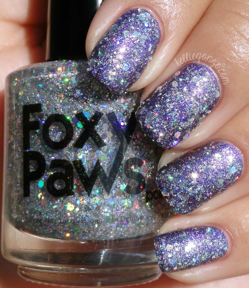 Foxy Paws Diamandis purple nail polish