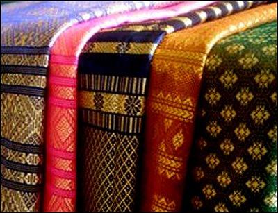 Guru BATIK.blog: Batik Sebagai Budaya Lokal