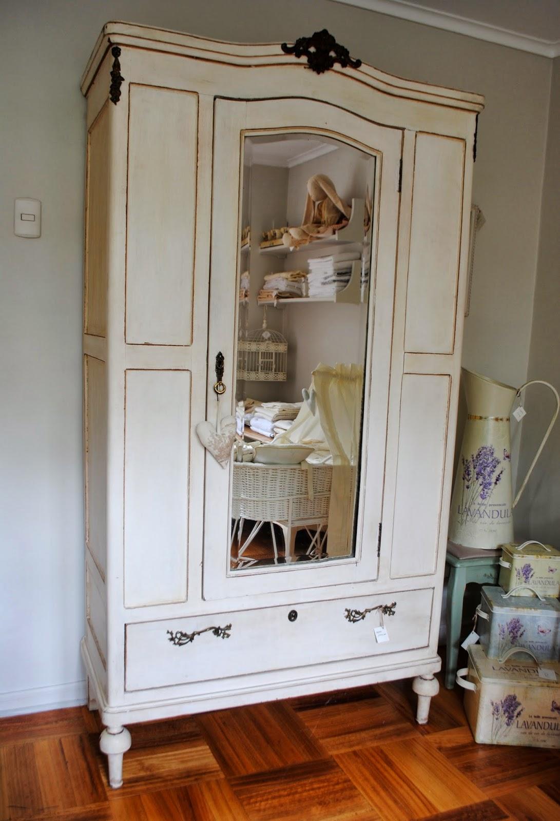 Paz montealegre decoraci n muebles varios - Ropero antiguo ...