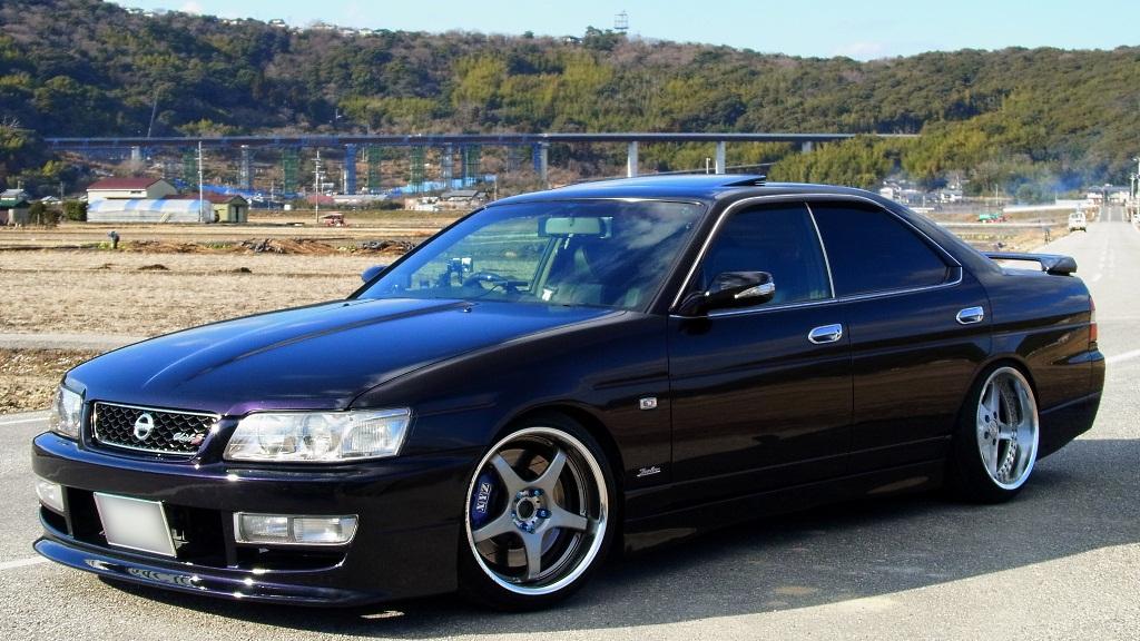Nissan Laurel C35, niezawodne sedany, RB25DET, drift, sportowe, samochody do driftingu, tuning, modyfikacje, zdjęcia, JDM, japońska motoryzacja