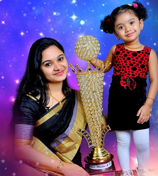 Winners of Raree Rareeram Raro Season 2- The perfect mother and Kid -Neethu and Aamy
