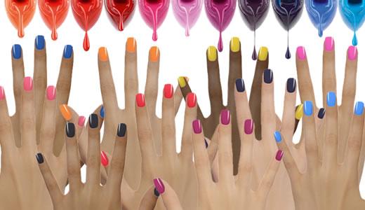 Femmes modernes beaut tendance des vernis ongles - Pose original pour photo ...