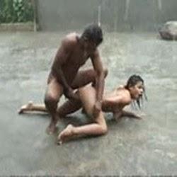 Putinha Dando na Chuva Caiu na Net - http://www.videosamadoresbrasileiros.com