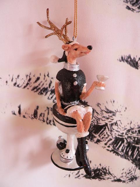 IKEA Wand Weihnachten Baum Tanne Weihnachtskugeln Deko Anhänger Hirsch