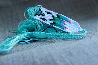 бижутерия, фенечки, плетеночки, текстильный браслет, браслет, фенькоплет, ковер, украшения для руки, браслетик, плетеночки, плетеные браслеты, фенечки, узоры для фенечек, красивые браслеты, узорные плетеночки, настроение своими руками