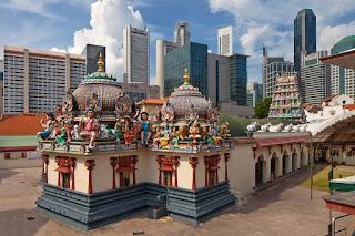 Drupadi, Hindu temple in Singapore, Sri Mariamman Temple, Chinatown Singapore, holiday in Singapore, Beautiful Hindu temple