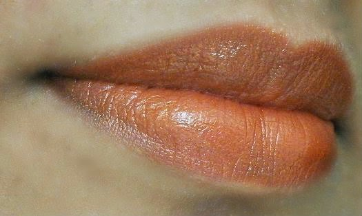 Revlon Just Bitten Kissable Balm Stain in Rendezvous on my lips