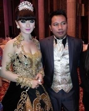 Pertunangan Zaskia Shinta dan Vicky Prasetyo Berakhir