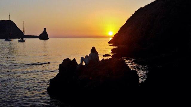 744-concurso-fotografía-anochecer-Benirras-IBIZA-sietecuatrocuatro-puesta-de-sol