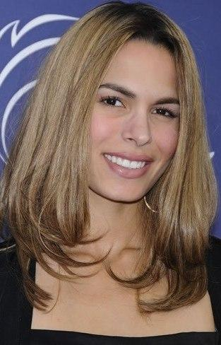 Sonrisa de Nadine Velazquez