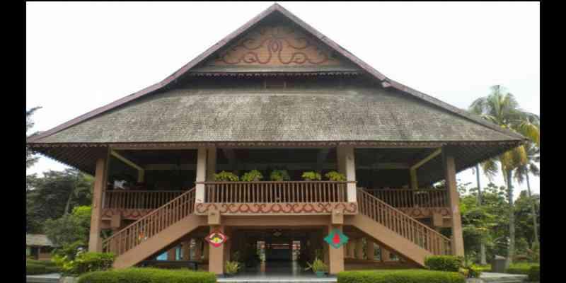 Wisata Gorontalo: Rumah Adat Gorontalo