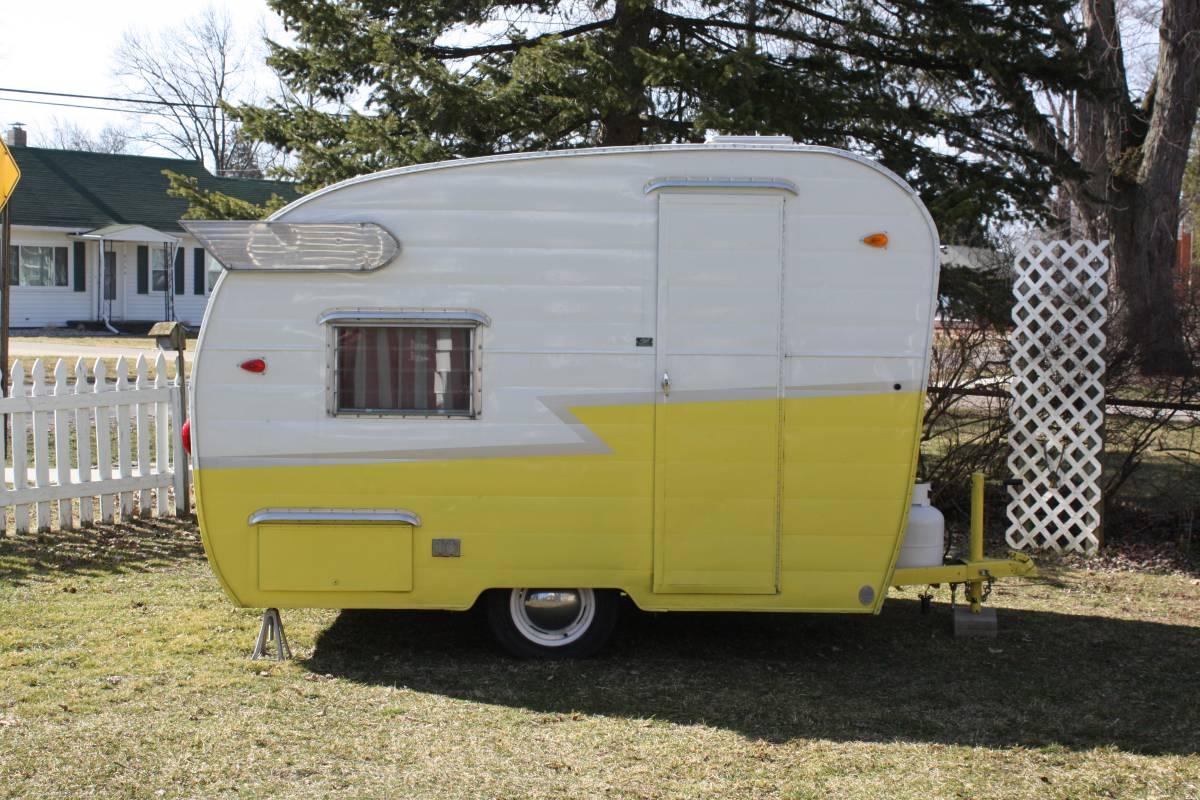 vintage spirit caravane a donne envie de repartir en vacances. Black Bedroom Furniture Sets. Home Design Ideas