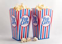 popcorn bakje rood blauw foto