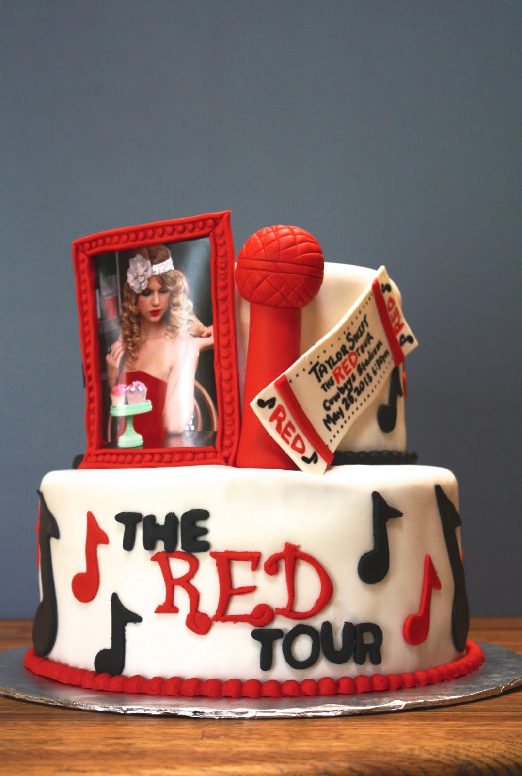 Sab Cakes Taylor Swift Red Cake