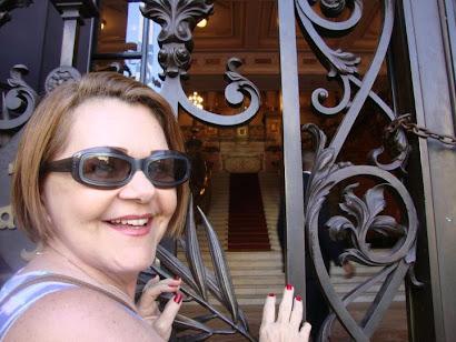 Prazeres Barbosa, atriz global fala sobre o Blog Notícias e Curiosidades e seu criador Aluysio.