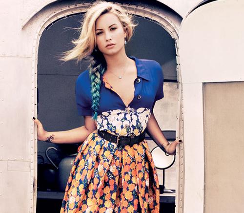 Enviar a mensagem por e-mail D  234  a sua opini  227 o  Partilhar no Twitter    Demi Lovato Teen Vogue Photoshoot