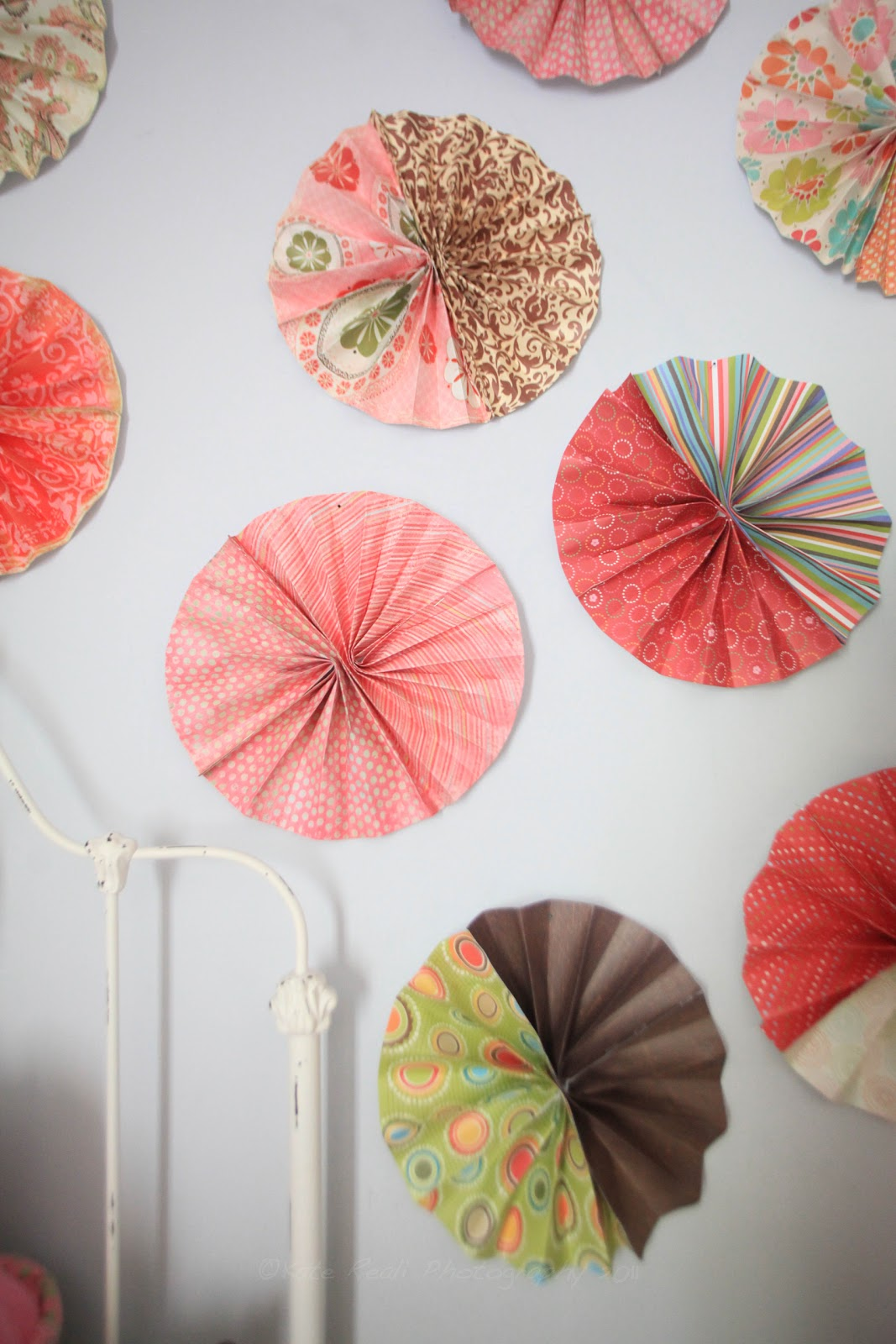 Room Decorating With Paper Ramblings From Utopia Craft Corner Decorating With Paper Fans
